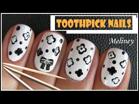 EASY BLACK & WHITE FLOWER NAIL ART