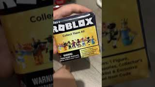 Paul unboxing Roblox Shyfoox, redeem Roblox Virtual Item Fox Ears Hat