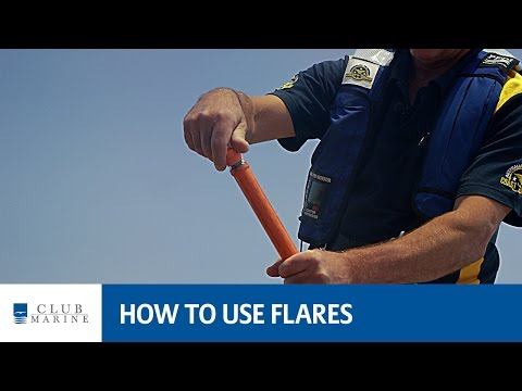 How to use flares | Club Marine