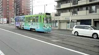 札幌市電 山鼻9条駅付近で上下線が通過