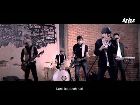 Sanny - Sayang Janganlah Pergi (Official Music Video)