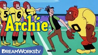 An Ape Joins the Football Team | THE ARCHIE SHOW