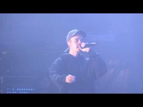 Justin Bieber - Where Are Ü Now - live V Festival 2016