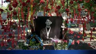 В день рождения Дениса Тена казахстанцы почтили память любимого спортсмена