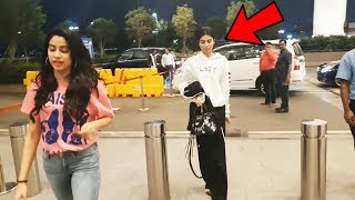 Jhanvi kapoor With Sister Khushi Kapoor Spotted At Airport