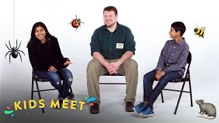 Kids Meet an Exterminator | Kids Meet | HiHo Kids