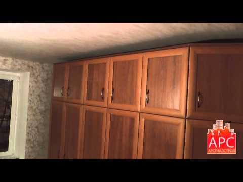 Встроенный и корпусный шкафы с распашными створками