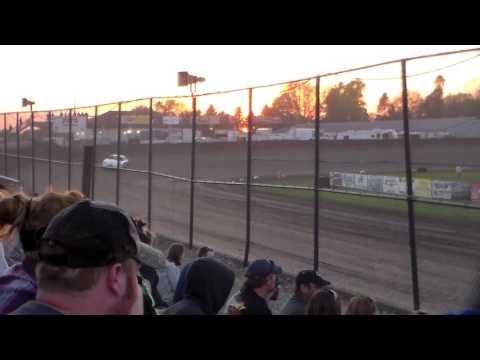 Hobby Stock Heat 3 @ Marshalltown Speedway 05/05/17