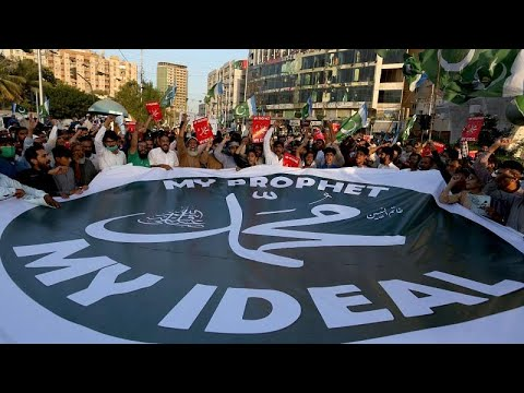 شاهد: مسيرات حاشدة في باكستان وبنغلادش ضد ماكرون والرسوم المسيئة للنبي محمد  …