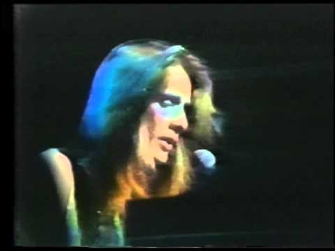 February 1974 - Todd Rundgren Performs 'A Dream Goes on Forever'