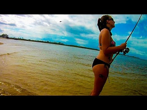 Surf Fishing With Tiger Minnows For RED FISH And Black Drum!