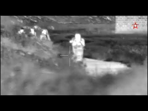 Бойцы российского спецназа ликвидируют боевиков