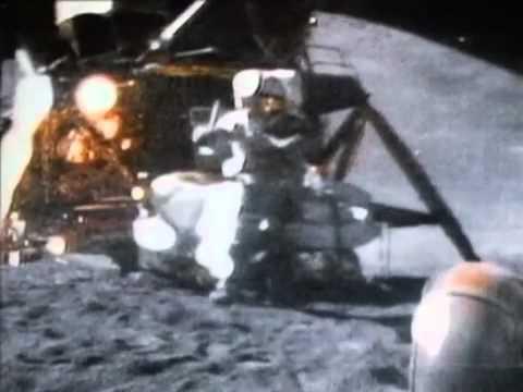 Молот и перо на Луне