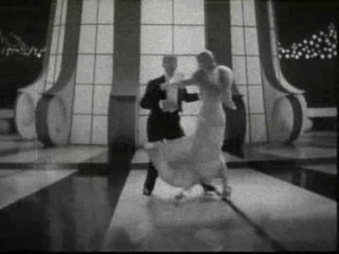 Fred & Ginger: Lets' face the music and dance