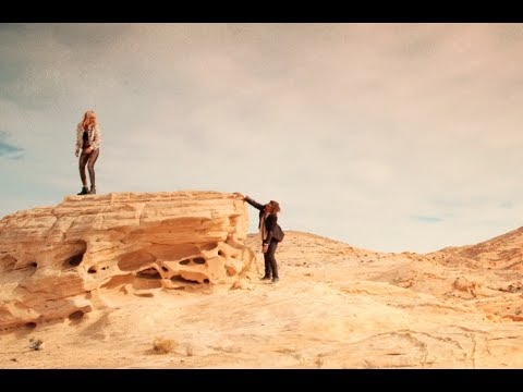 """IT STAINS THE SANDS RED (2017) Exclusive """"Tampon"""" Clip"""