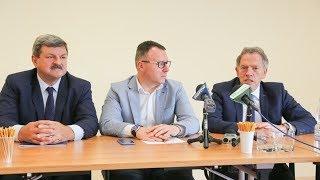 Konferencja prasowa europarlamentarzystów Dariusza Rosatiego i Jarosława Kalinowskiego