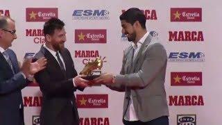 Leo Messi recoge la Bota de Oro 2017 de manos de Luis Suárez