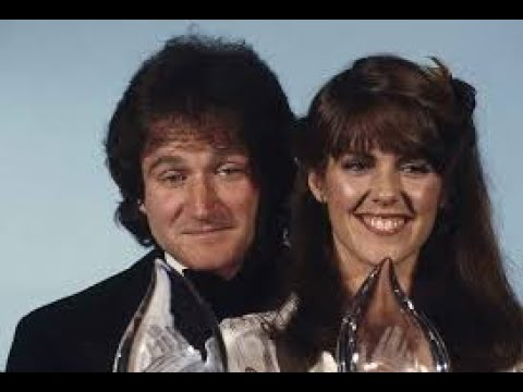 """Mork & Mindy"" Wins People's Choice Award (1979)"