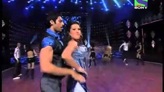 Gauhar Khan dances on Jhalak Dikhlajaa