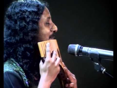 Benny Prasad performs