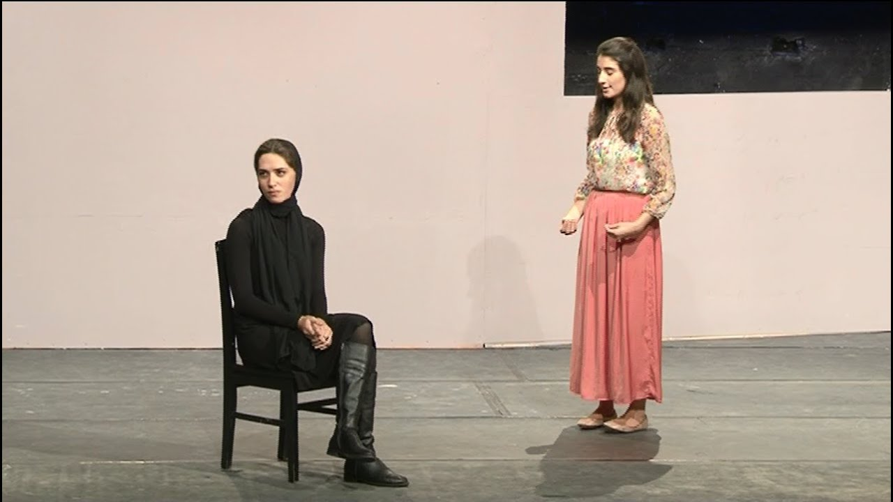 """analysis of the bear by anton chekhov The """"vaudevilles"""" of chekhov: the bear by anton chekhov with adaptations by morwyn brebner and andrew moodie a joke in one act elena ivanovna popova is the beautiful widow of a philandering husband."""