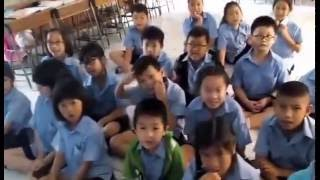 KIDS IN THAILAND LEARNING SCOTTISH WORDS !!!!