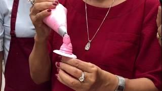 Cách bắt hoa hồng bằng kem topping do cô Thu hướng dẫn