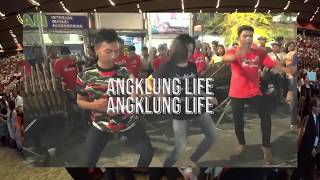 Play Angklung Life (feat. Wiwek)