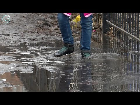 В Октябрьском районе Новосибирска дети вынуждены ходить в школу по грязи и в потёмках