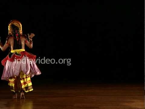 Garuda Garva Bhangam in Ottan Thullal