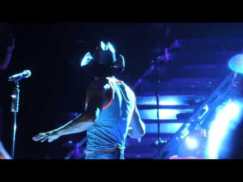 Tim Mcgraw Red Ragtop - MidFlorida Credit Union Amphitheatre - Tampa, FL, July 12, 2014
