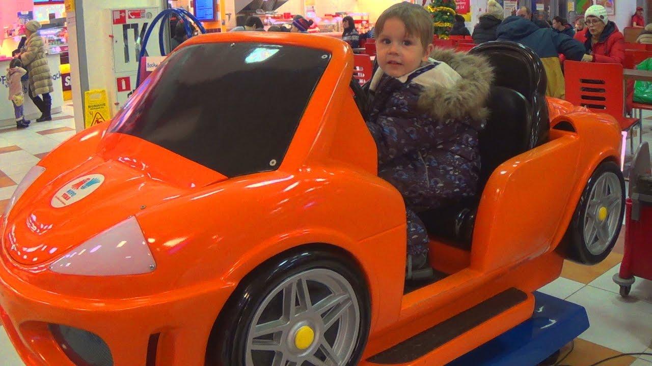 Влог - Гуляем по магазину с игрушками - Видео для детей