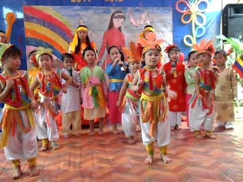 Trường MN Ban Mai khai giảng năm học 2011- Nổi trống lên các bạn ơi