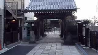 鎌倉石仏百選ー材木座の九品寺の門前の仏像は美顔である