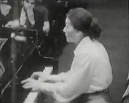 Annie Fischer - Chopin Concerto no. 1 part 4/4
