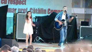 Смотреть клип Pavel Stratan Si Cleopatra - Trei Buburuze