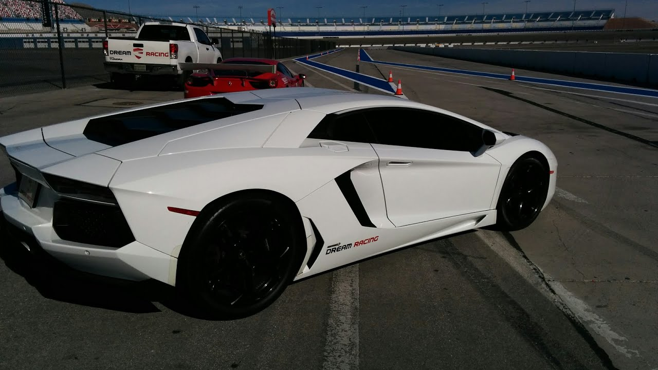 Lamborghini Aventador Racing Around The Las Vegas Speedway
