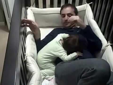 Как папа укладывал дочку спать Смех до слез!