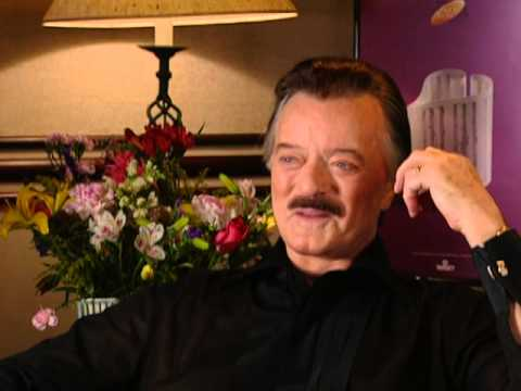 Robert Goulet - Robert Goulet Interview - 8/12/2000 - Newport Jazz Festival (Official)
