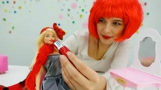 Відео для дівчаток. Барбі зустрічає рік півня 2017