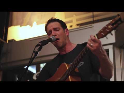 Coffee Shop Sessions: David Nash - Beat This Drum