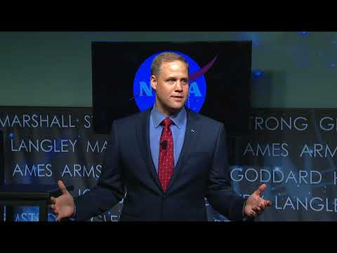 Administrator Bridenstine Talks with NASA Employees at Agency Town Hall