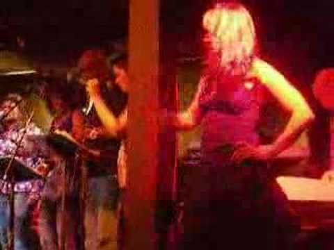 Lucy Lawless and Renee at Chicago Concert
