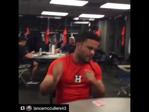 "José Altuve singing ""I Want It That Way"""