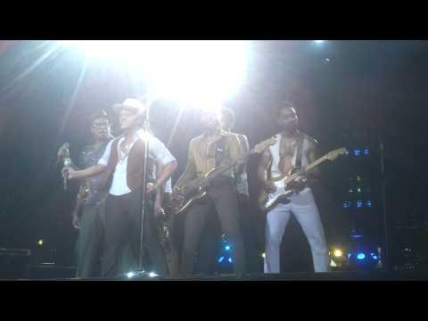 Bruno Mars- Treasure -Prague 6.11.2013