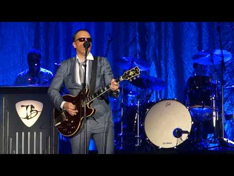 Joe Bonamassa - Driving towards the daylight (live '18)