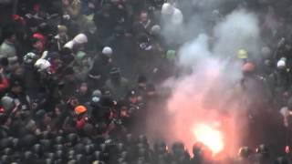 Из окон Януковича спокойно наблюдали за штурмом Администрации