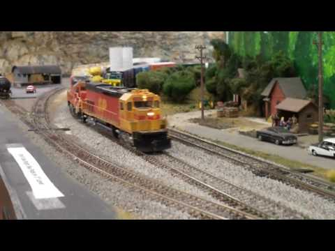 The Southern Pacific Railroad at Home - Carquinez Model Railroad