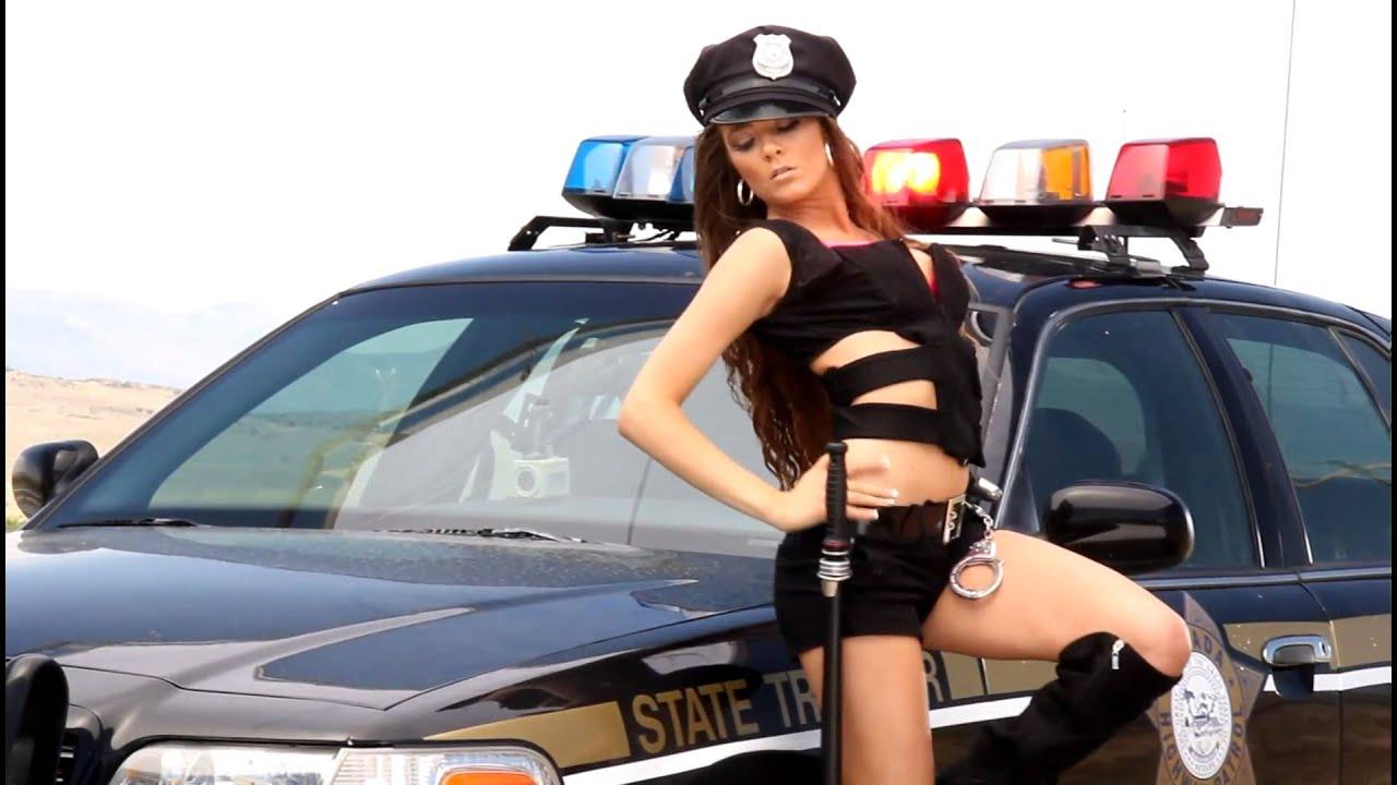 Поток бешено сиськастые полицейские приняв борт