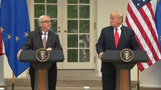 Tensions commerciales : Trump et Juncker conviennent d'un armistice